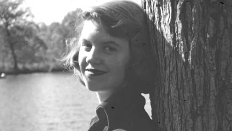 """Reclaiming the Legacy of Sylvia Plath with """"The Red Comet"""""""